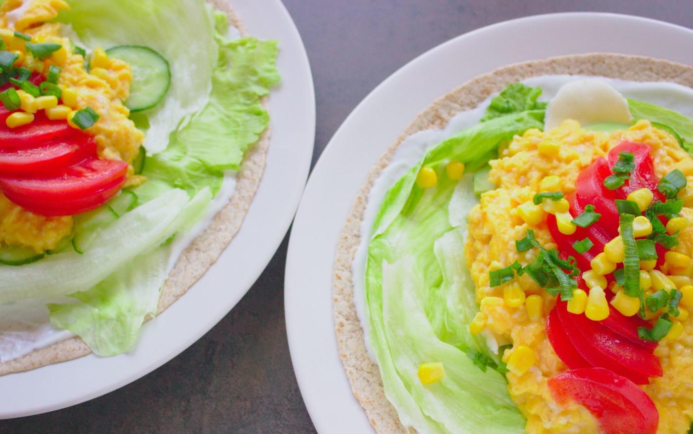 Tortilla z jajecznicą i awokado