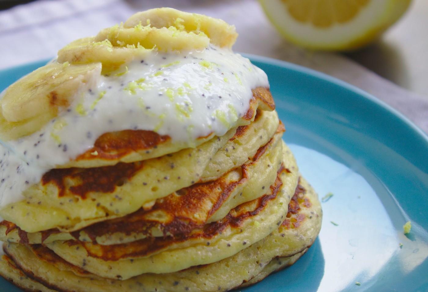 Cytrynowe Pancakes z ziarenkami maku