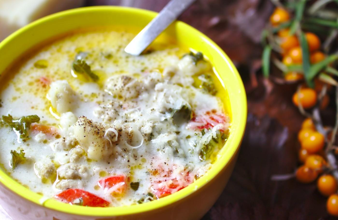 Jesienna zupa z mięsem mielonym i kluskami