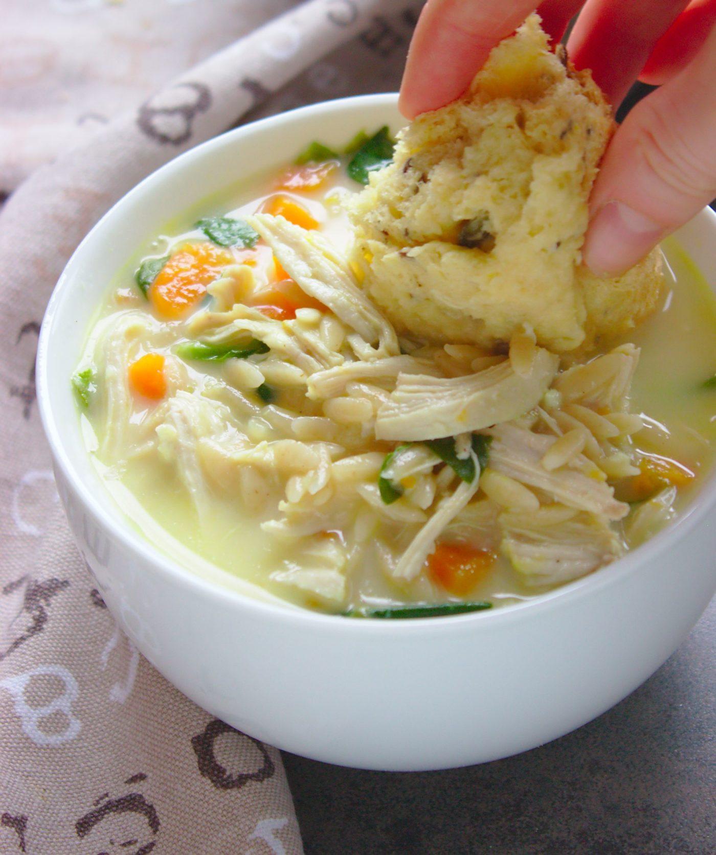 zupa-cytrynowa-z-kurczakiem-i-makaronem-orzo