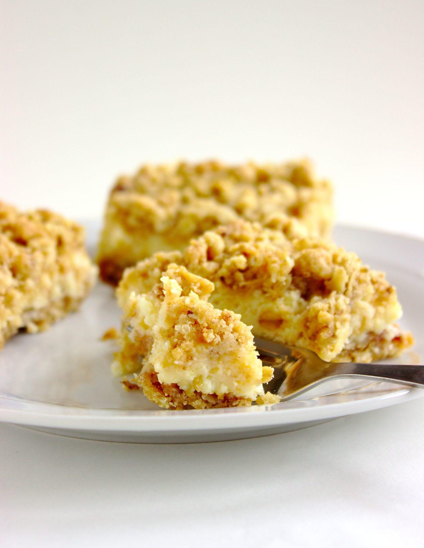 Szybkie ciasto cytrynowe z kremem i owsianą kruszonką
