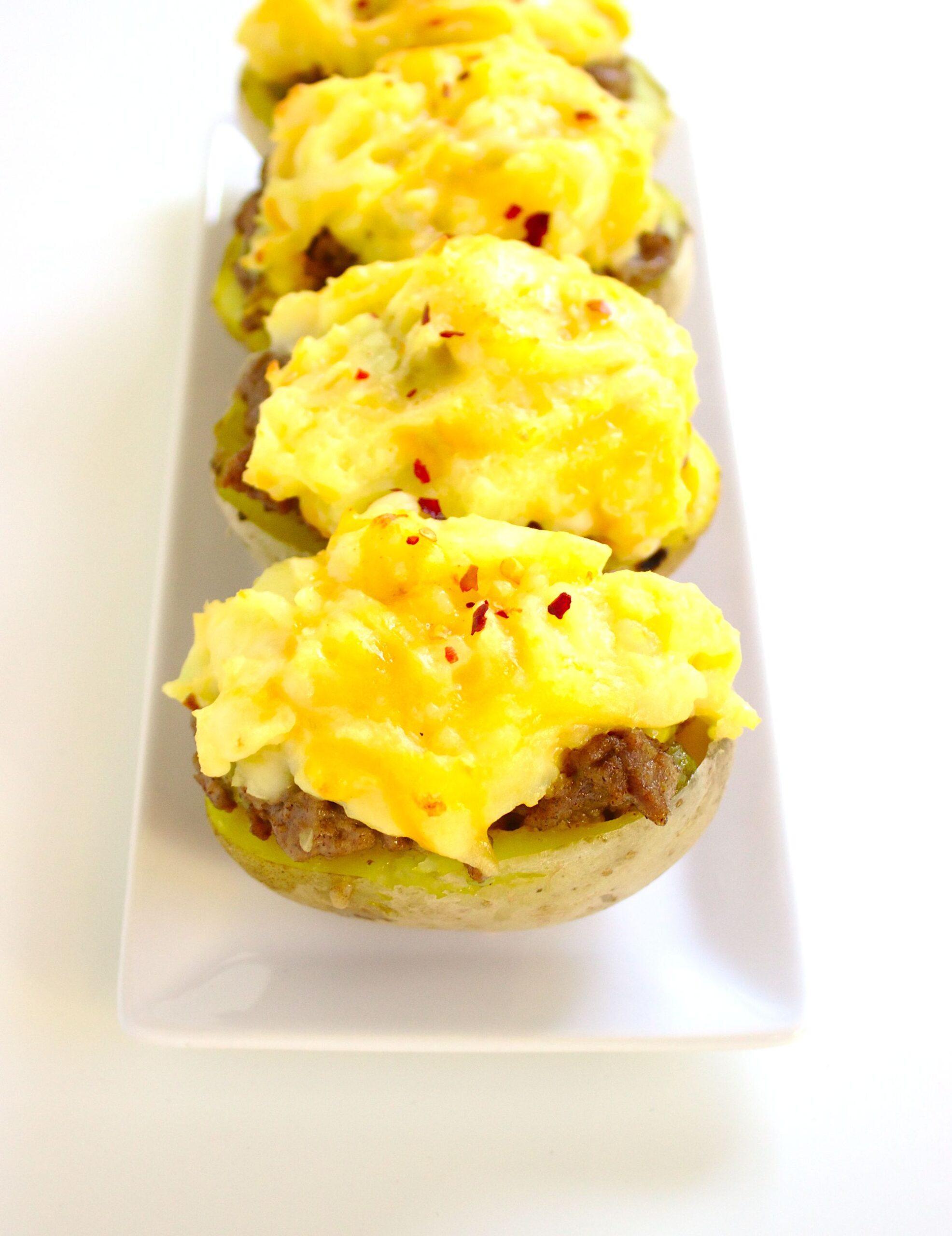 Pieczone ziemniaki z farszem z mięsa wołowego