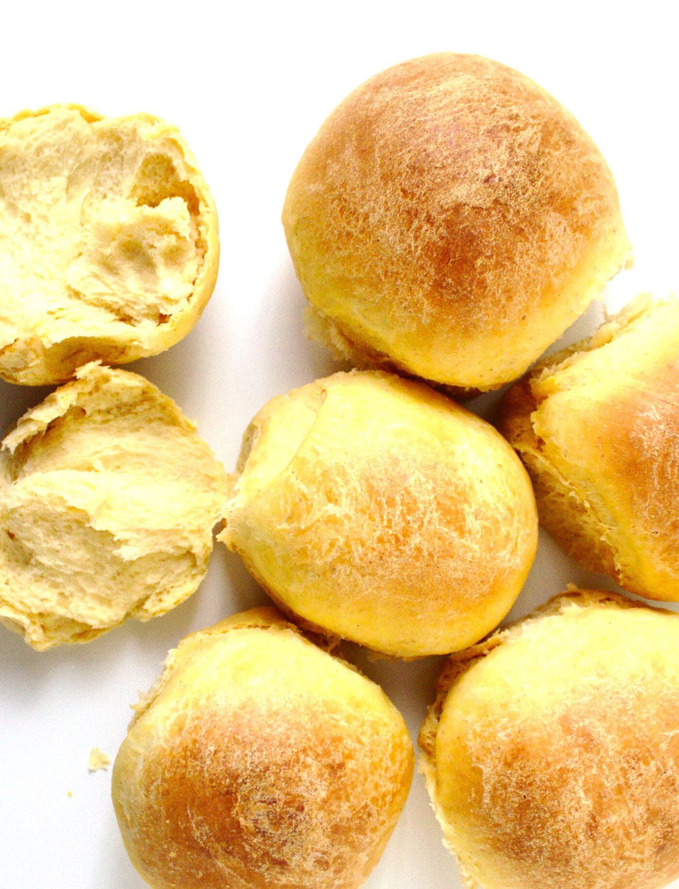 Puszyste słodkie bułki pszenne z ziemniakami, batatami