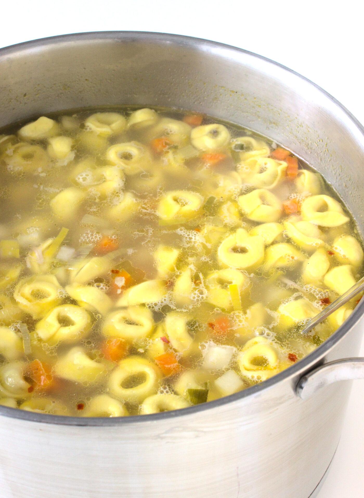 Zasmażana zupa z tortellini
